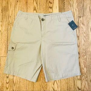 NWT Liz Claiborne Khaki Sloane Shorts 16 (A7)